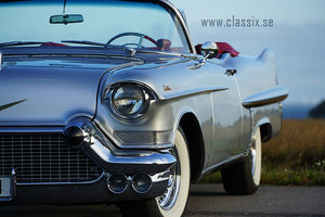Cadillac Convertible 1957 top restored, like new