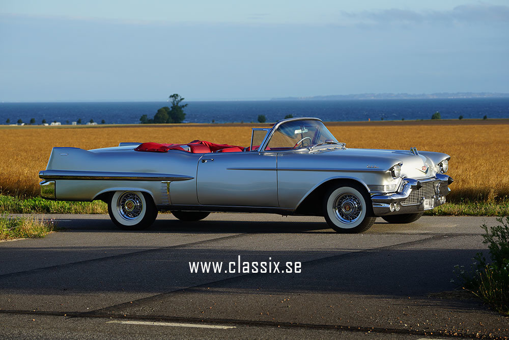 Cadillac Convertible 1957 top restored, like new SOLD (picture 2 of 6)