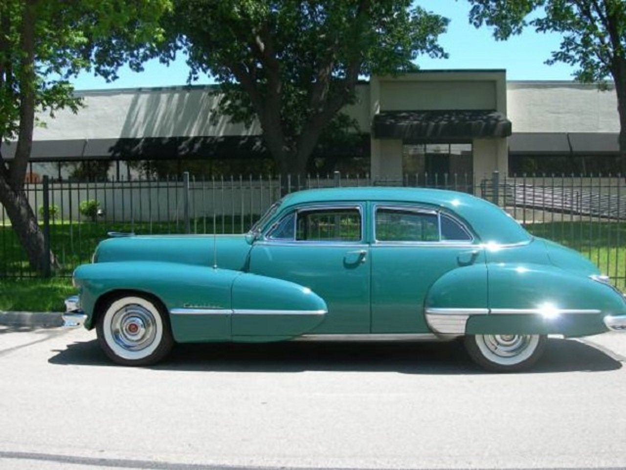 1947 Cadillac 62 4DR Sedan For Sale (picture 1 of 6)