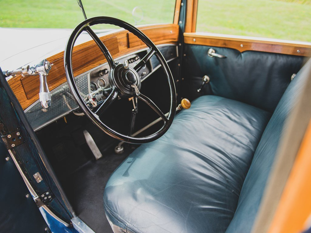 1931 Cadillac V-16 Woodie Convertible Coupe  For Sale by Auction (picture 4 of 6)