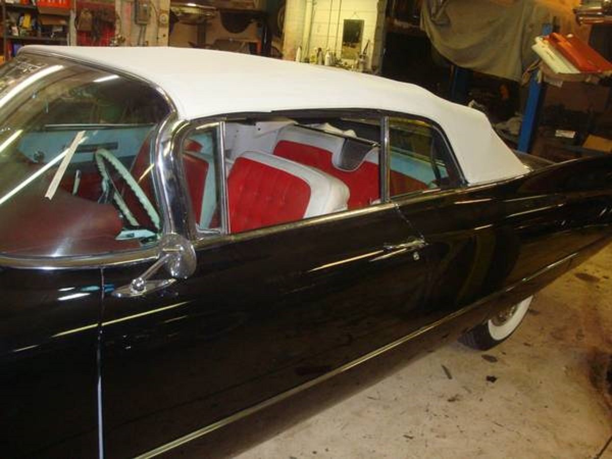 1960 Cadillac 62 Convertible .. Black For Sale (picture 4 of 6)
