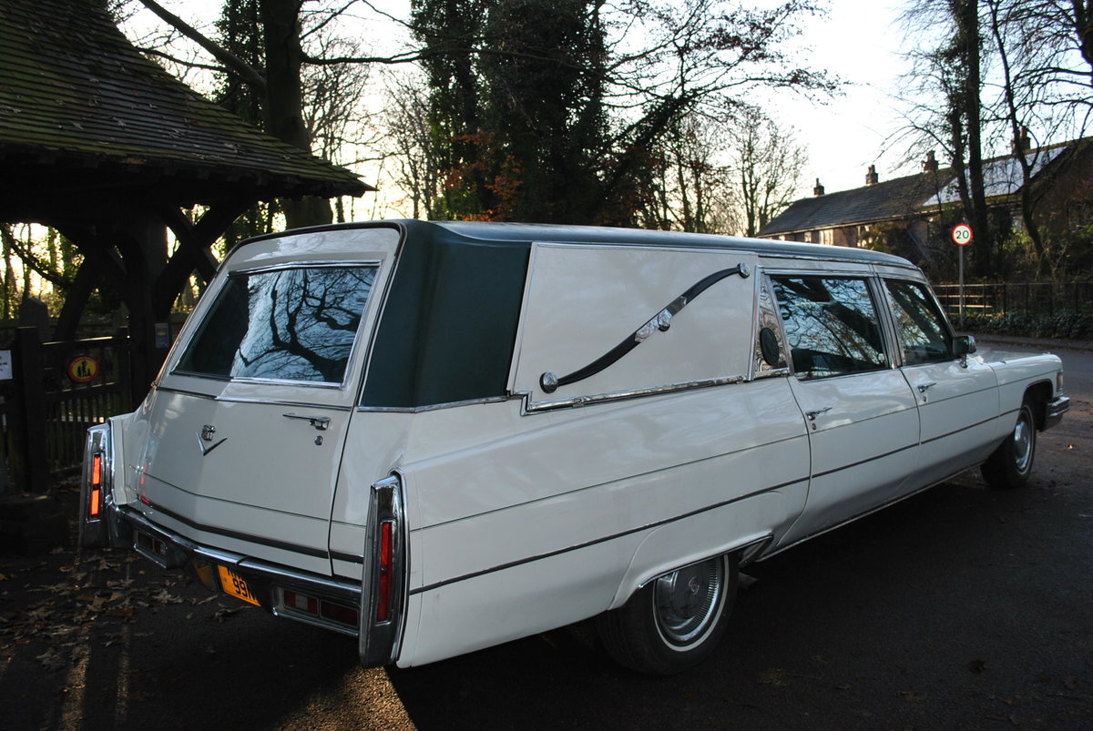 1975 Hearse Hire Cadillac Fleetwood S&S Superior Funeral Coach For Hire (picture 3 of 6)
