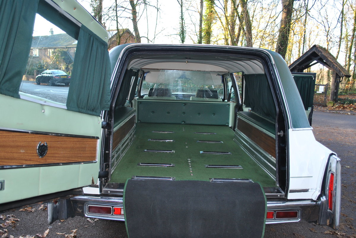 1975 Hearse Hire Cadillac Fleetwood S&S Superior Funeral Coach For Hire (picture 5 of 6)