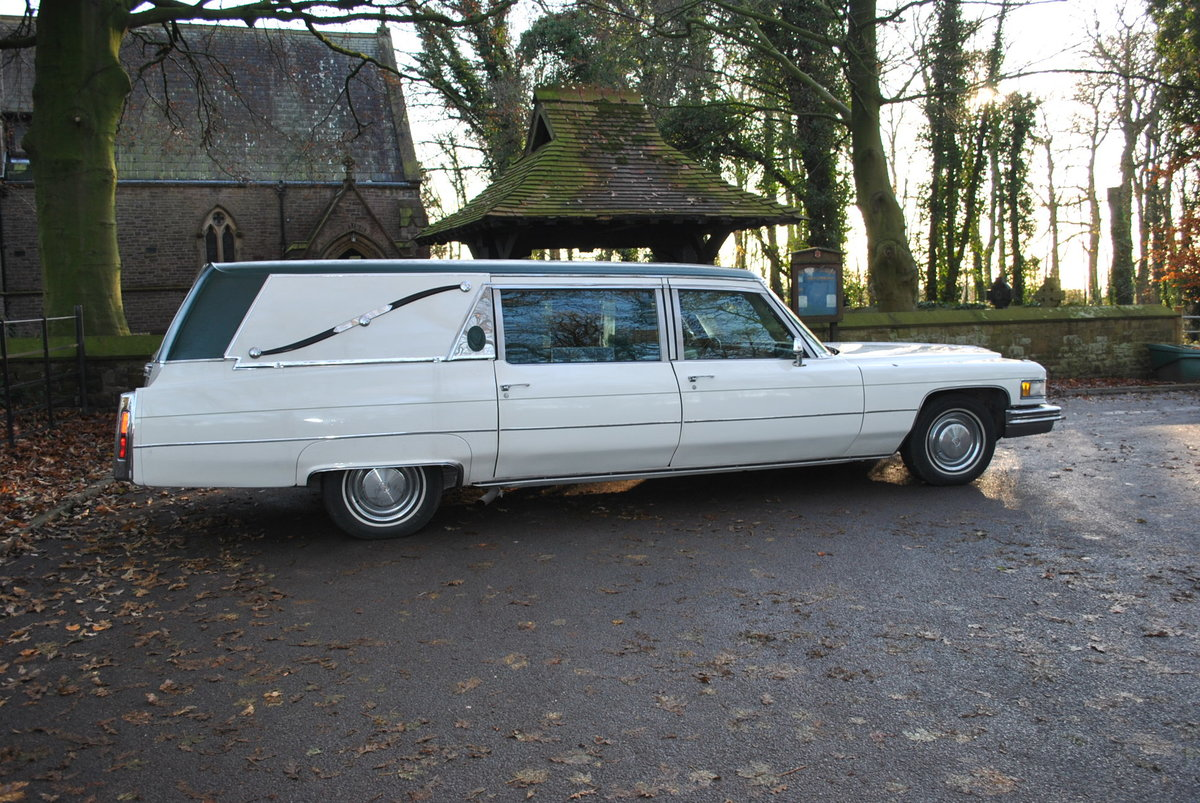 1975 Cadillac Fleetwood S&S Superior Hearse  SOLD (picture 2 of 6)