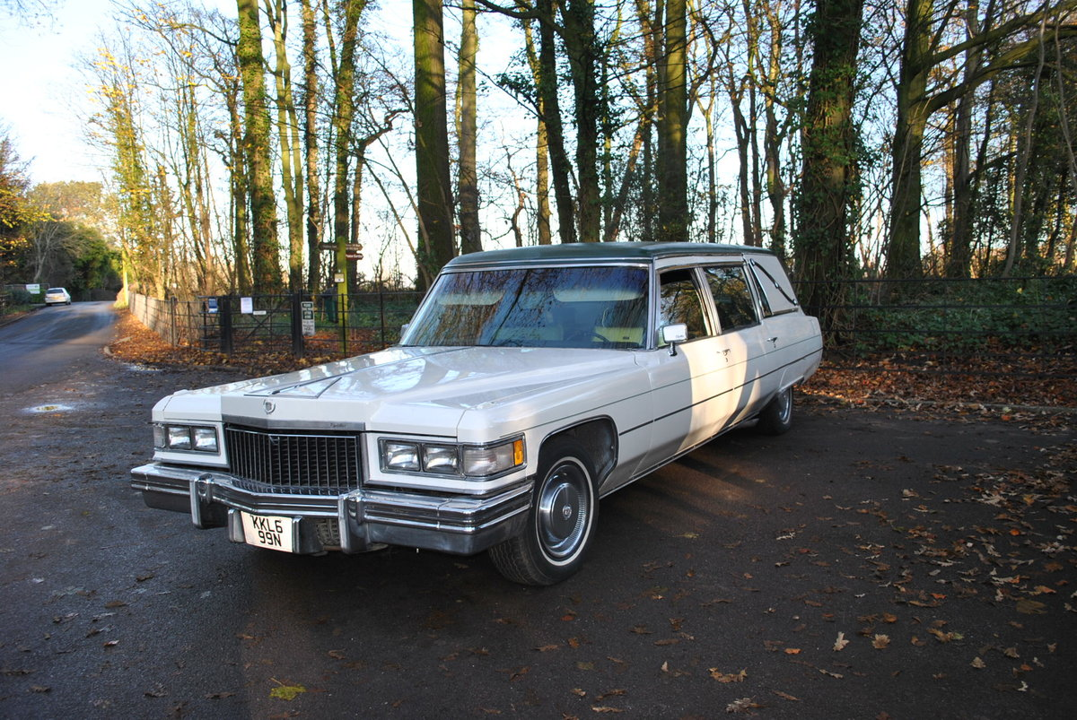 1975 Cadillac Fleetwood S&S Superior Hearse  SOLD (picture 3 of 6)