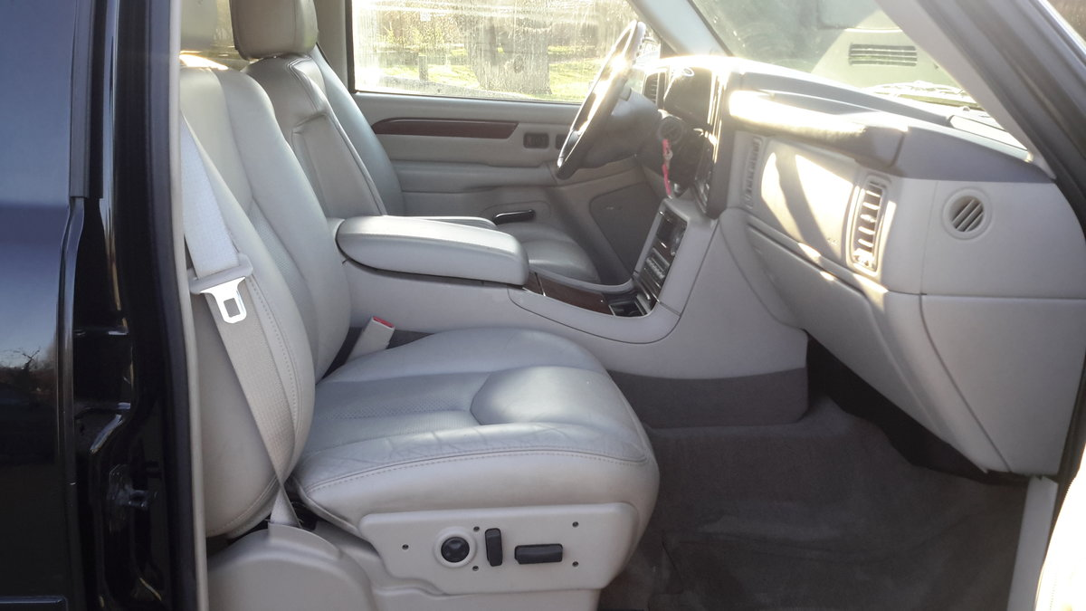 2005 CADILLAC ESCALADE 6.0 V8 VORTEC AUTOMATIC For Sale (picture 6 of 6)