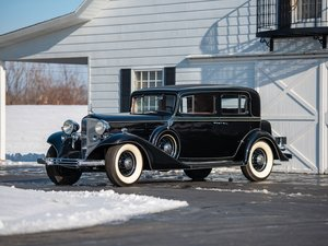1933 Cadillac V-12 Town Sedan