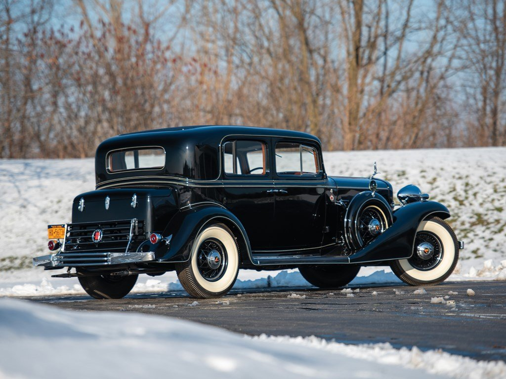 1933 Cadillac V-12 Town Sedan  For Sale by Auction (picture 2 of 6)