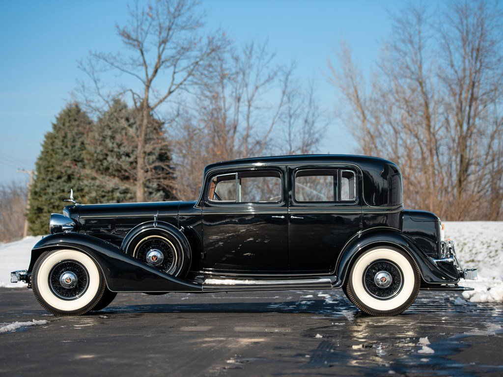 1933 Cadillac V-12 Town Sedan  For Sale by Auction (picture 5 of 6)