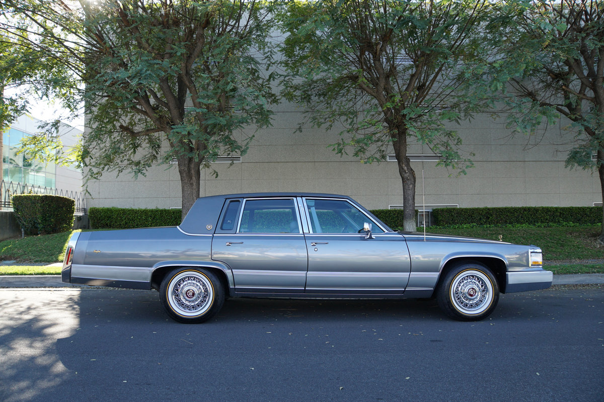 Orig CA owner 1992 Cadillac Brougham 5.0 V8 23K miles For Sale (picture 3 of 6)