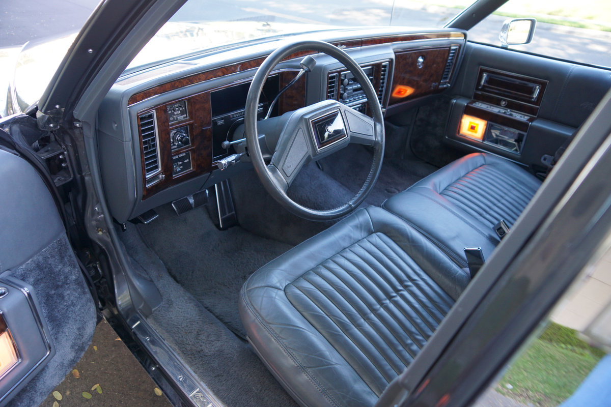 Orig CA owner 1992 Cadillac Brougham 5.0 V8 23K miles For Sale (picture 5 of 6)