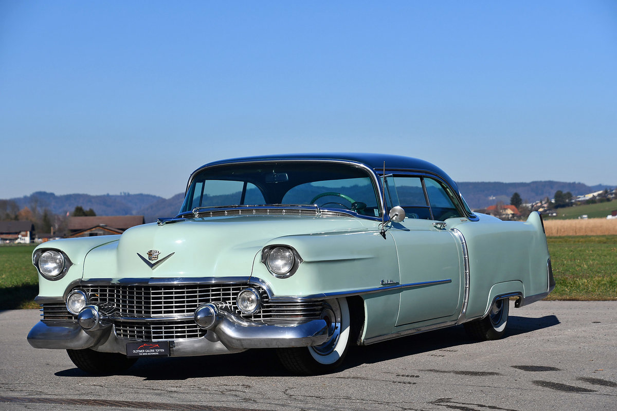 1954 Gorgeous Cadillac Coupe with probably just 92'000 km For Sale (picture 1 of 6)