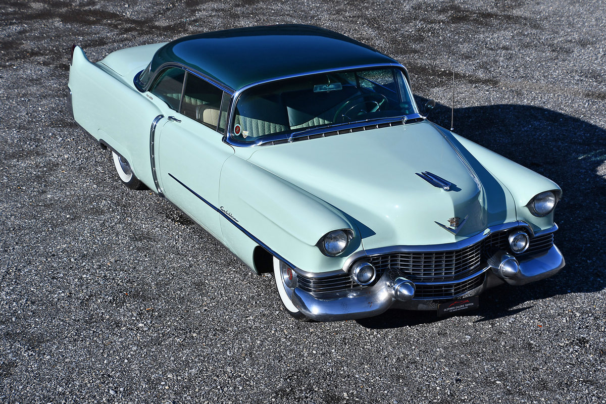 1954 Gorgeous Cadillac Coupe with probably just 92'000 km For Sale (picture 2 of 6)