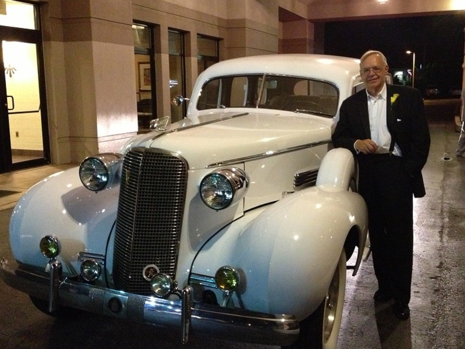 1937 Cadillac 85 Touring Sedan For Sale (picture 3 of 6)