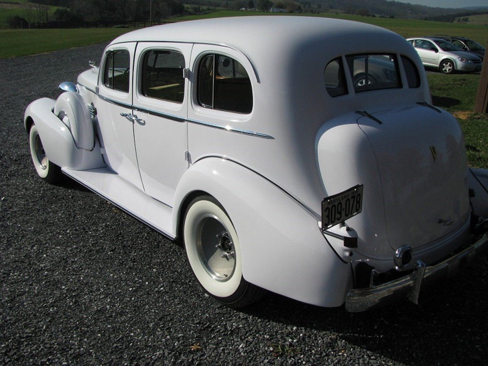 1937 Cadillac 85 Touring Sedan For Sale (picture 4 of 6)