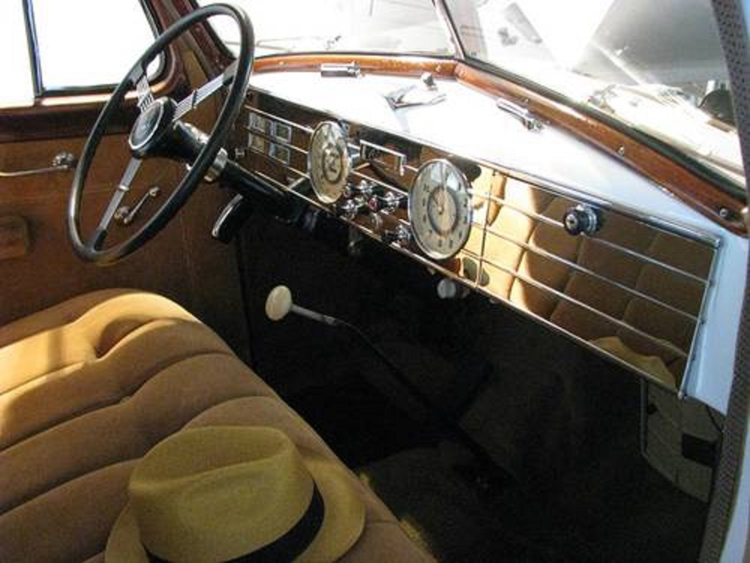 1937 Cadillac 85 Touring Sedan For Sale (picture 5 of 6)