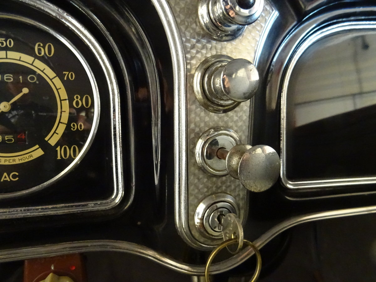 1932 Cadillac 355B Limousine – 7 passenger – Matching number For Sale (picture 18 of 23)