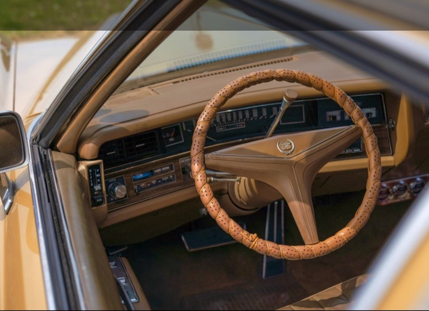 1972 Cadillac Eldorado Gold classic car vintage For Sale (picture 4 of 6)