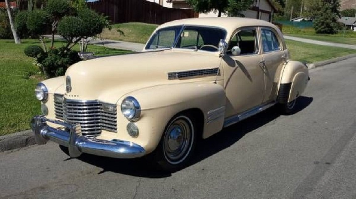 1941 Cadillac 61 4DR Sedan For Sale (picture 1 of 6)