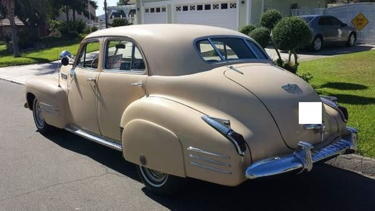 1941 Cadillac 61 4DR Sedan For Sale (picture 3 of 6)