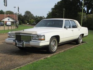 Picture of 1990 Cadillac Fleetwood Brougham at ACA 7th November