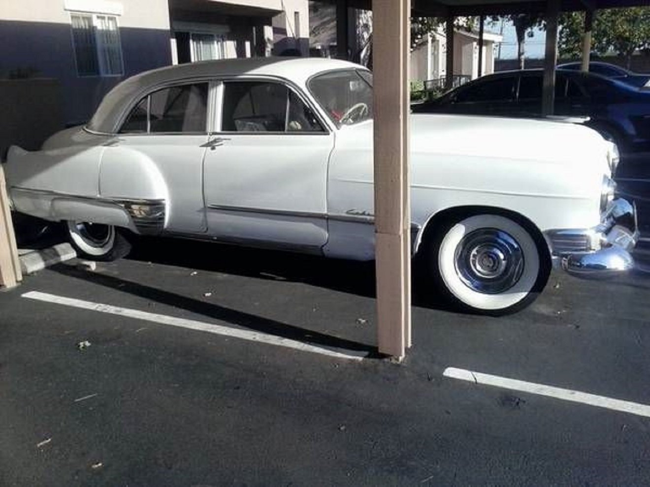 1949 Cadillac Fleetwood 4DR Sedan .. White For Sale (picture 2 of 6)