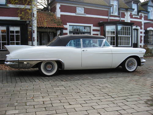 1957 Cadillac Eldorado Biarritz convertible. For Sale (picture 1 of 4)