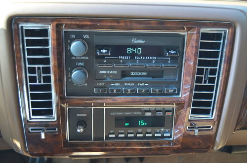 1992 Cadillac Brougham Elegance Aut. 5.0 litre SOLD (picture 3 of 6)