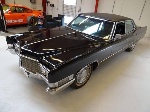 1969 Cadillac DeVille 4-door Hardtop Sedan   SOLD (picture 2 of 6)