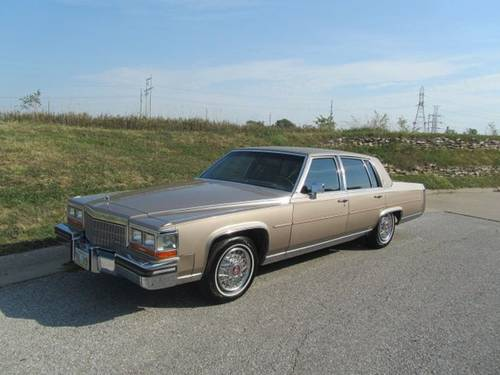 1986 Cadillac Fleetwood Brougham 4DR Sedan For Sale (picture 1 of 6)