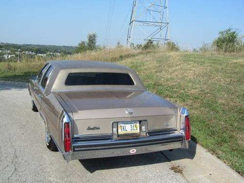 1986 Cadillac Fleetwood Brougham 4DR Sedan For Sale (picture 3 of 6)