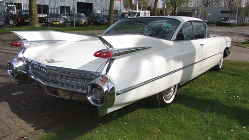 Cadillac de Ville Coupe 1959  & 50 USA Classics For Sale (picture 1 of 6)