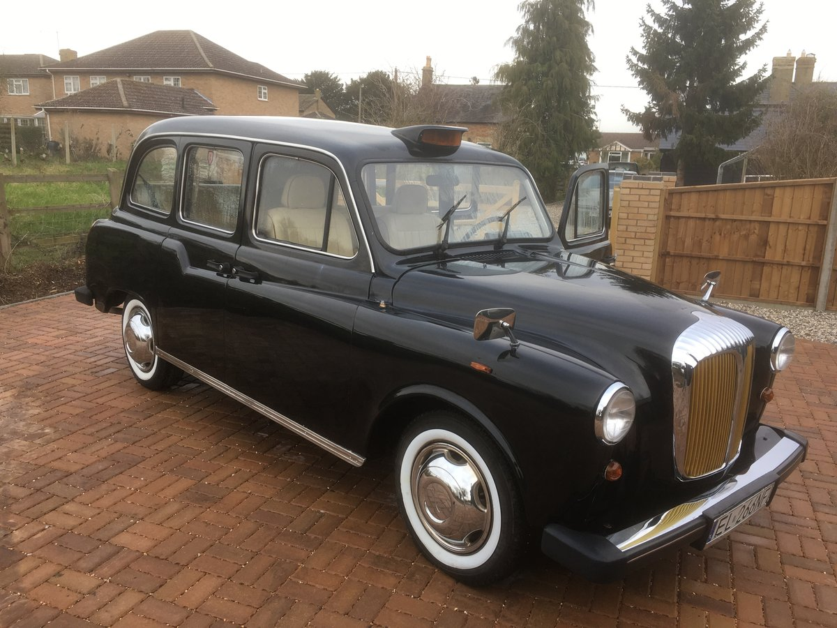 1995 Wedding-ready, highly customised London Taxi For Sale (picture 2 of 6)