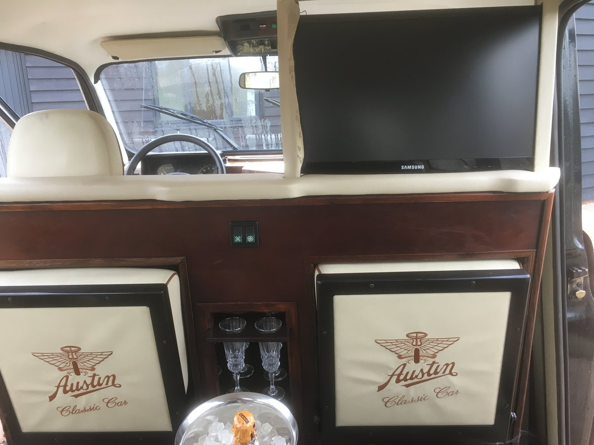 1995 Wedding-ready, highly customised London Taxi For Sale (picture 5 of 6)