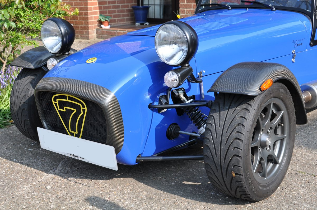 2003 Caterham Seven R300 Superlight For Sale (picture 2 of 6)