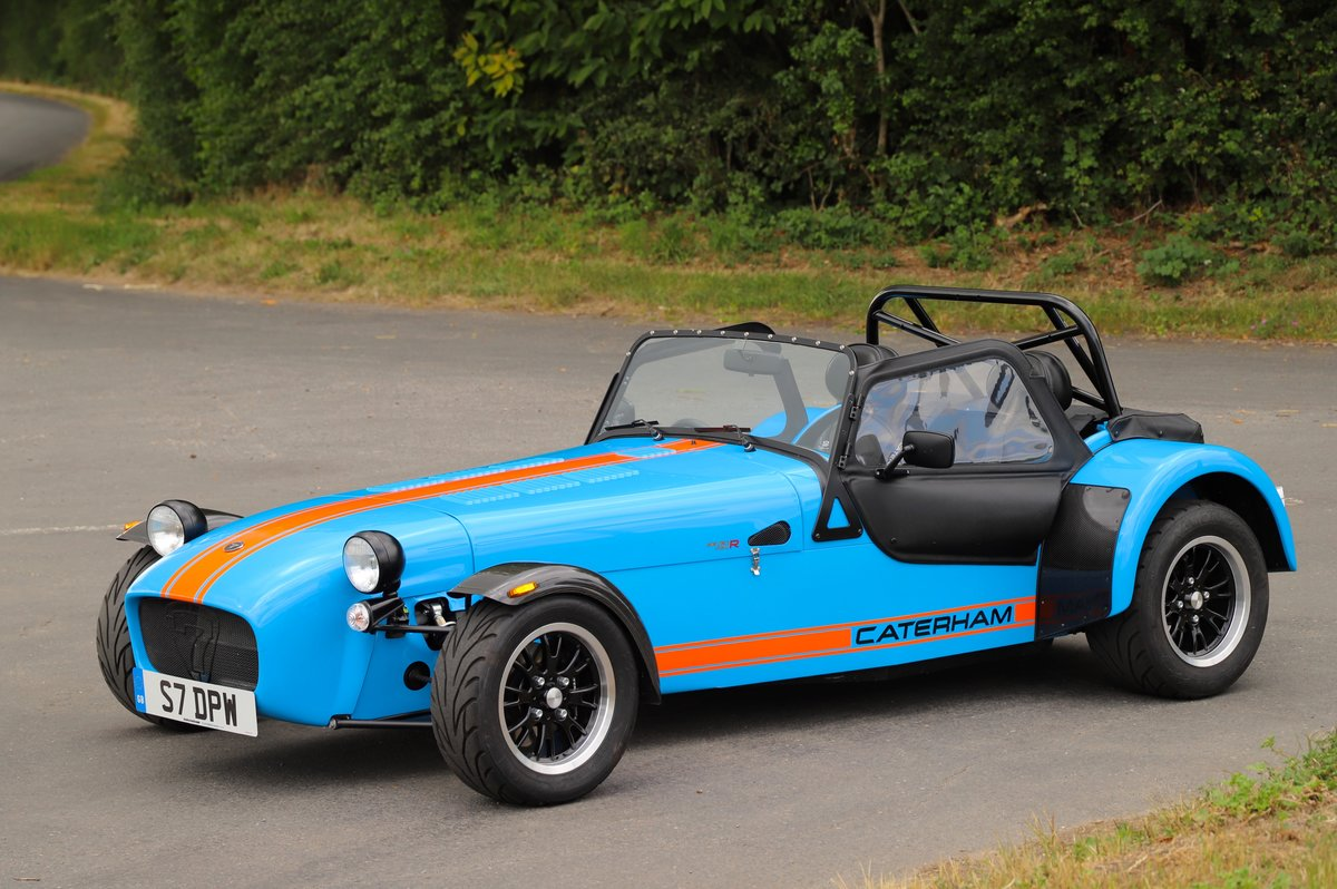 Caterham Seven SV 420R, 2017.  980 miles from new. One Owner For Sale (picture 2 of 6)