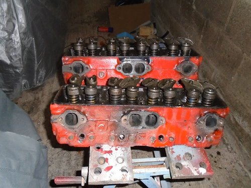 1972 Pair of small block cylinder heads for sale. For Sale (picture 2 of 5)