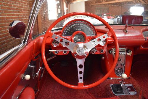 1960 Chevrolet Corvette in Ermine White For Sale (picture 5 of 6)