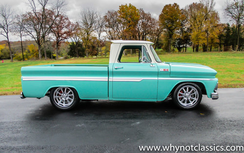 1965 Chevy C10 V8 406ci - SHOW TRUCK For Sale (picture 2 of 6)