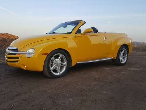 2003 Chevrolet SSR Truck  For Sale (picture 1 of 6)