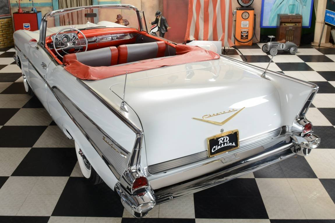 1957 Chevrolet Bel Air Convertible / Vollrestauration! For Sale (picture 2 of 6)