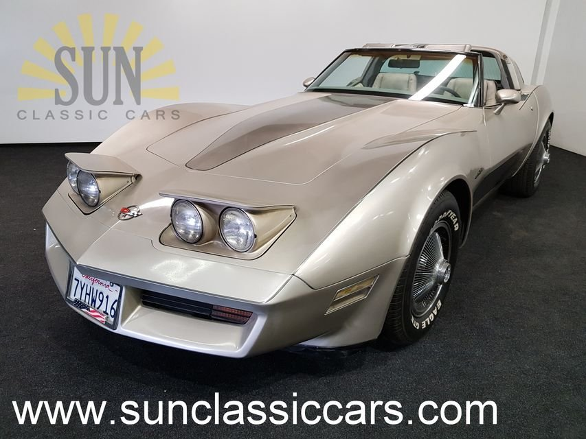 Chevrolet Corvette C3 1982 Collector Edition For Sale (picture 1 of 6)