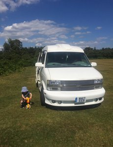 2000 Chevrolet Astro day van