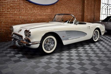 1959 Corvette Roadster = 283 Auto Clean Ivory $78.5k For Sale (picture 2 of 6)