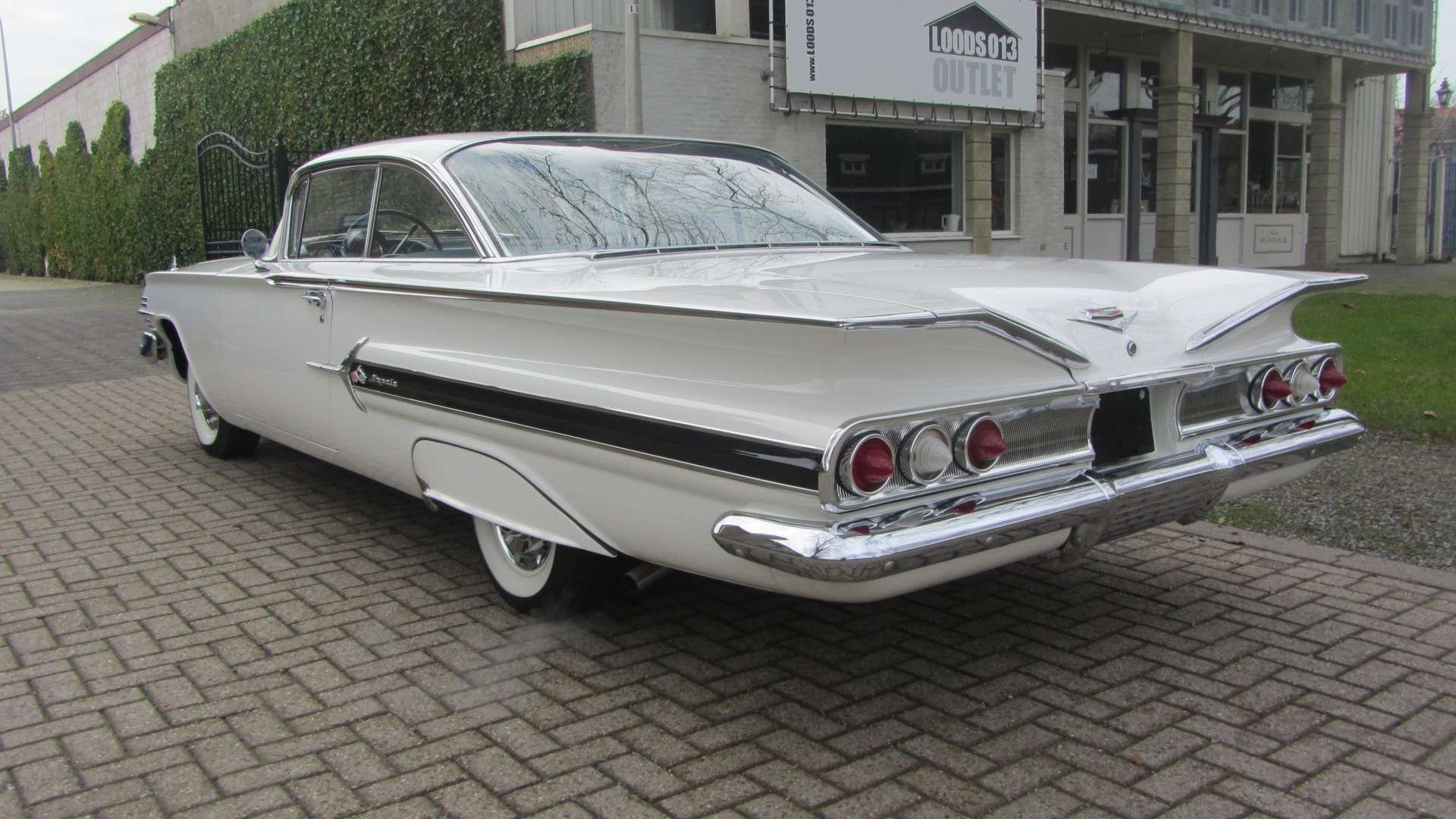 Chevrolet impala Coupe 1960 New Car & 50 USA Classics For Sale (picture 2 of 6)