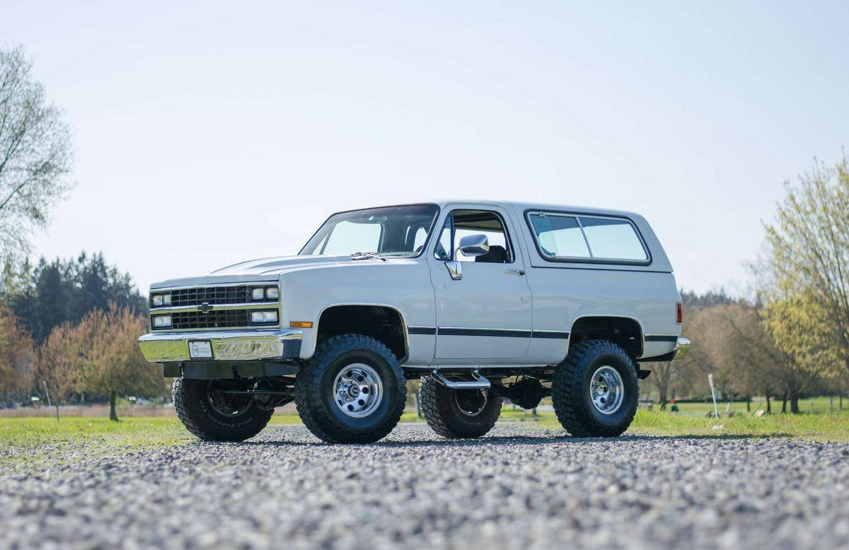 1990 Chevrolet K5 Blazer 4x4 = Restored Ivory 350 AT $24.5k For Sale (picture 1 of 6)