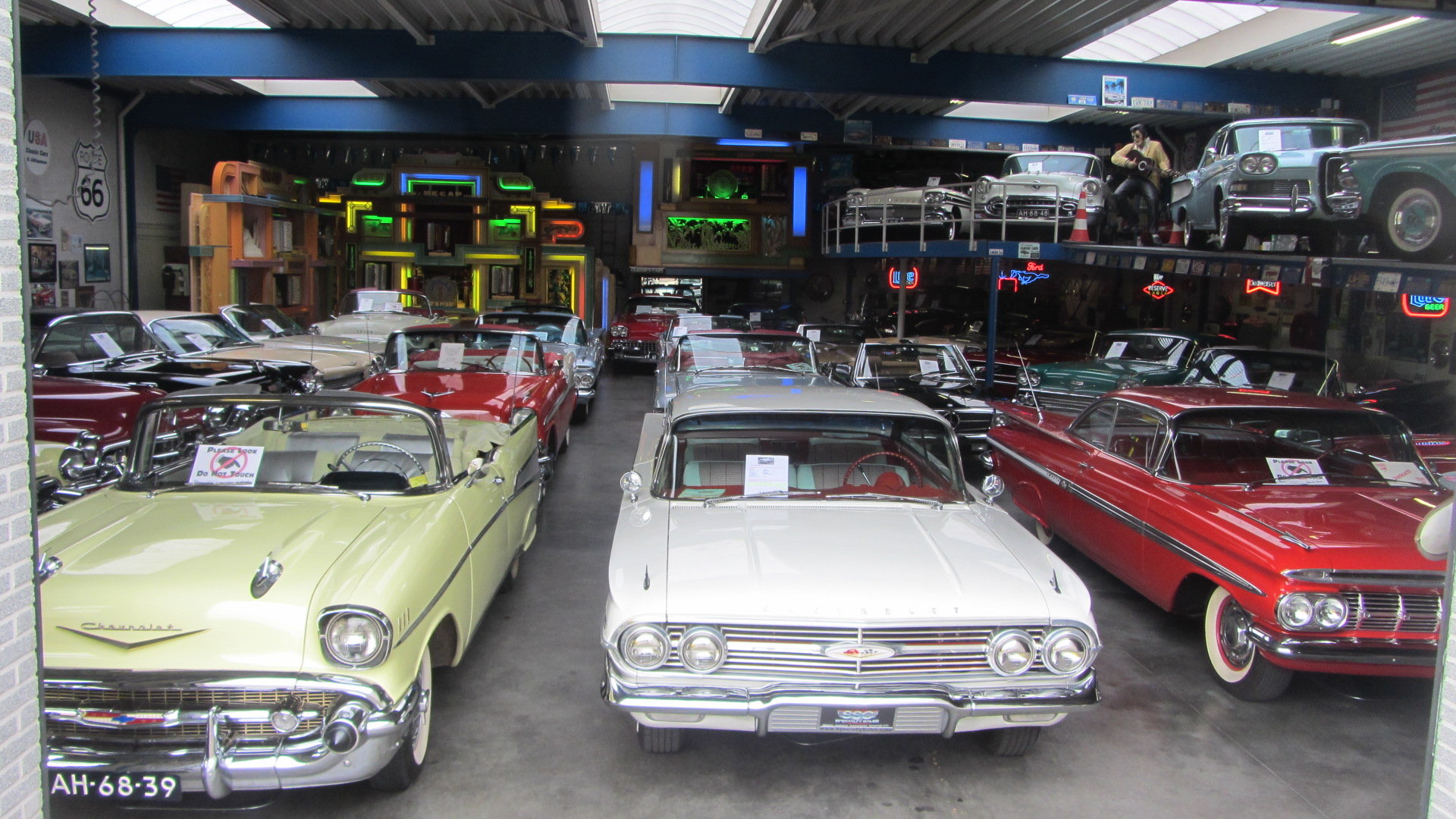 Chevrolet Bel Air Conv V 8 1957   & 50 USA Classics For Sale (picture 6 of 6)