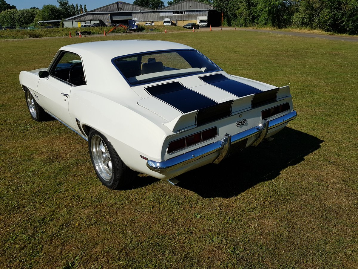 1969 Chevrolet Camaro V8 and Automatic  For Sale (picture 4 of 6)