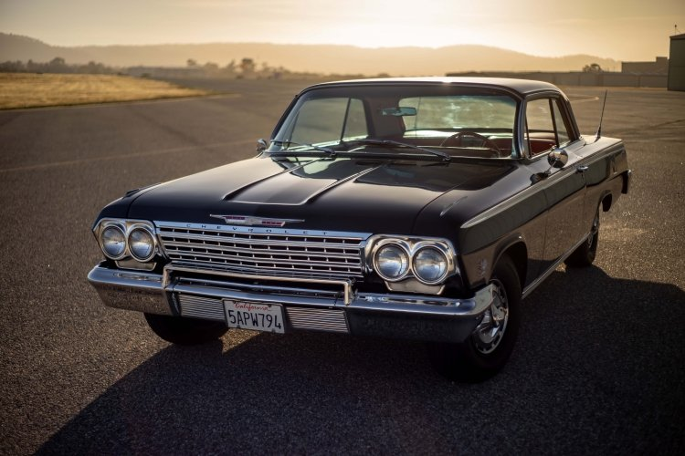 1962 Chevy Impala SS 409 = Correct Restored Manual $49.5k For Sale (picture 2 of 6)
