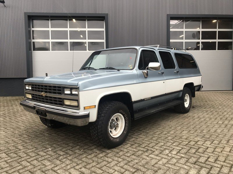 1990 Chevrolet Suburban EU delivery, Swiss car, 92.040 km For Sale (picture 1 of 6)